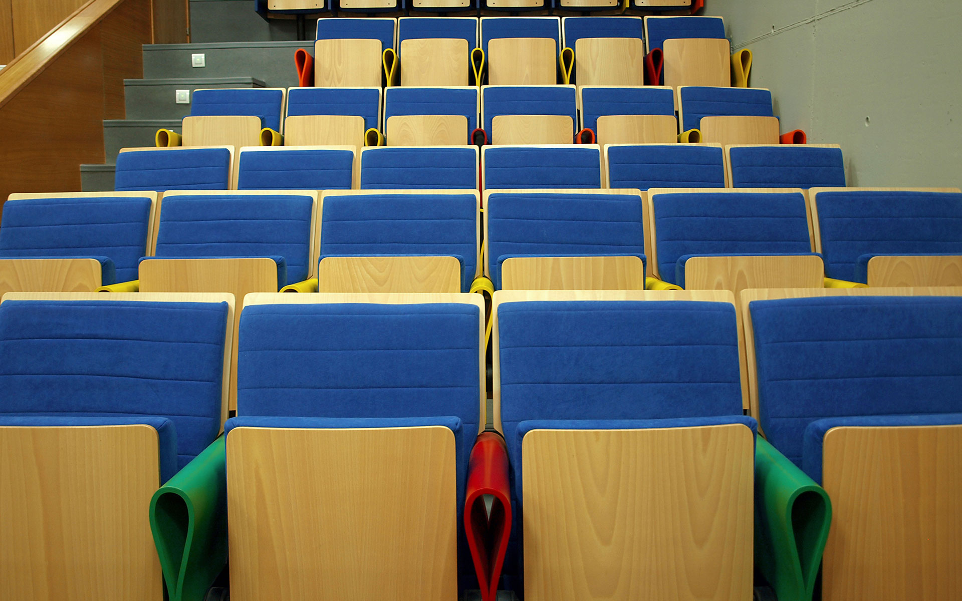 Projects seats for auditorium and congress euro seating - Muebles en cordoba espana ...