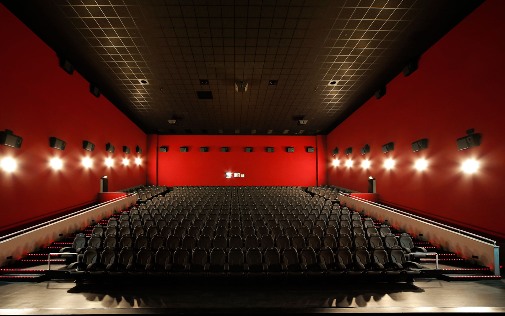 Projects: Seats for cinemas - Euro Seating